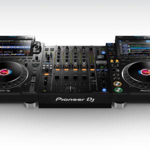DJ Pakker